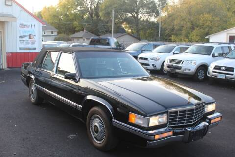 1993 Cadillac DeVille for sale at Rochester Auto Mall in Rochester MN