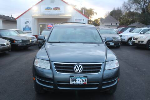 2005 Volkswagen Touareg for sale at Rochester Auto Mall in Rochester MN