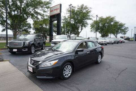 2017 Nissan Altima for sale at Ideal Wheels in Sioux City IA