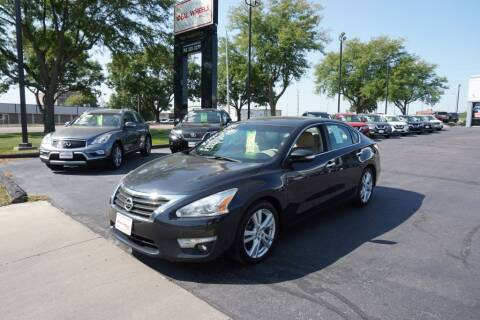2015 Nissan Altima for sale at Ideal Wheels in Sioux City IA