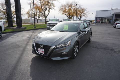 2020 Nissan Altima for sale at Ideal Wheels in Sioux City IA