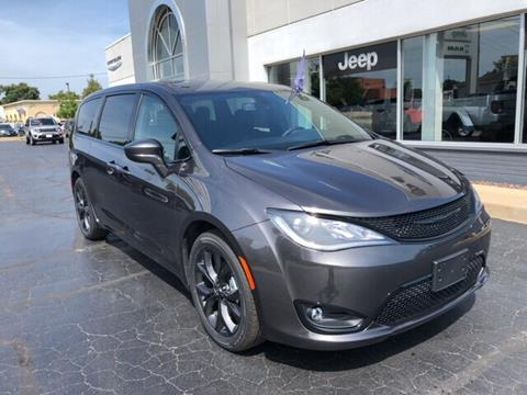 2019 Chrysler Pacifica for sale in Quincy, IL