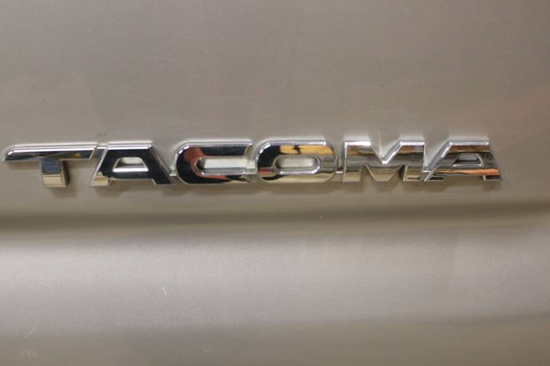 2013 Toyota Tacoma V6 (image 27)
