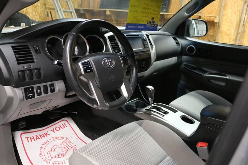 2013 Toyota Tacoma V6 (image 29)