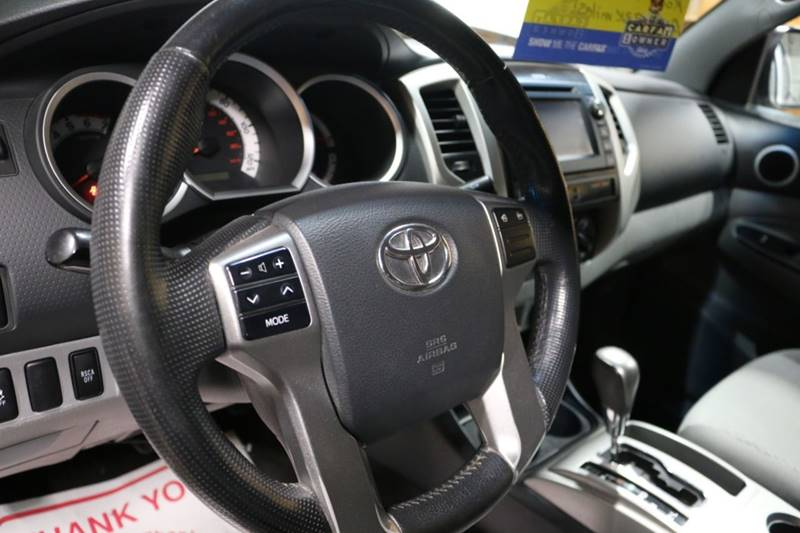 2013 Toyota Tacoma V6 (image 31)