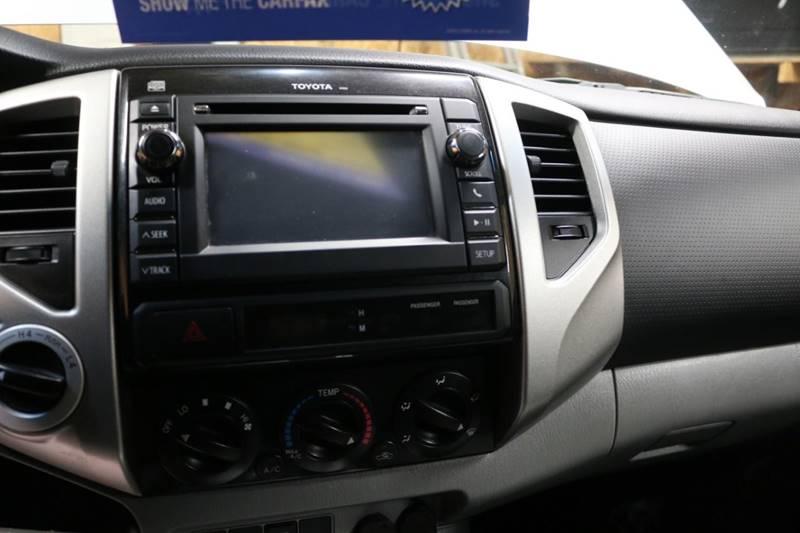 2013 Toyota Tacoma V6 (image 33)