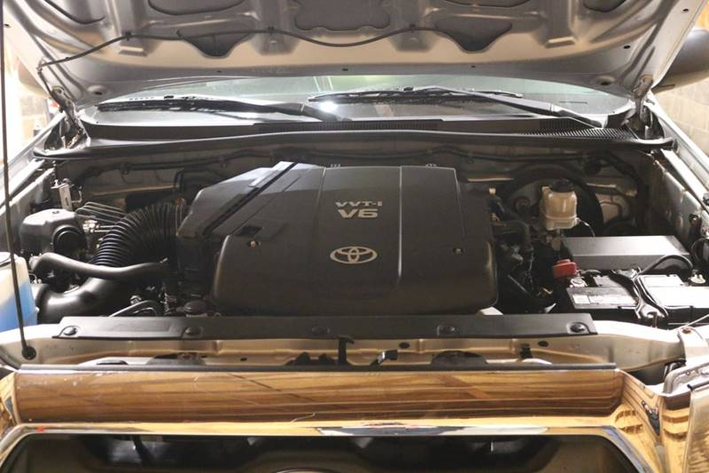 2013 Toyota Tacoma V6 (image 34)