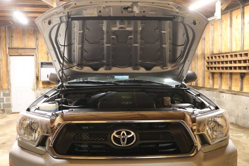 2013 Toyota Tacoma V6 (image 23)