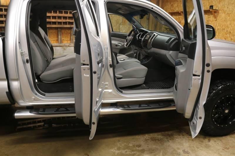 2013 Toyota Tacoma V6 (image 20)