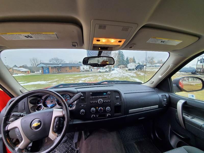 2011 Chevrolet Silverado 1500 LT (image 14)