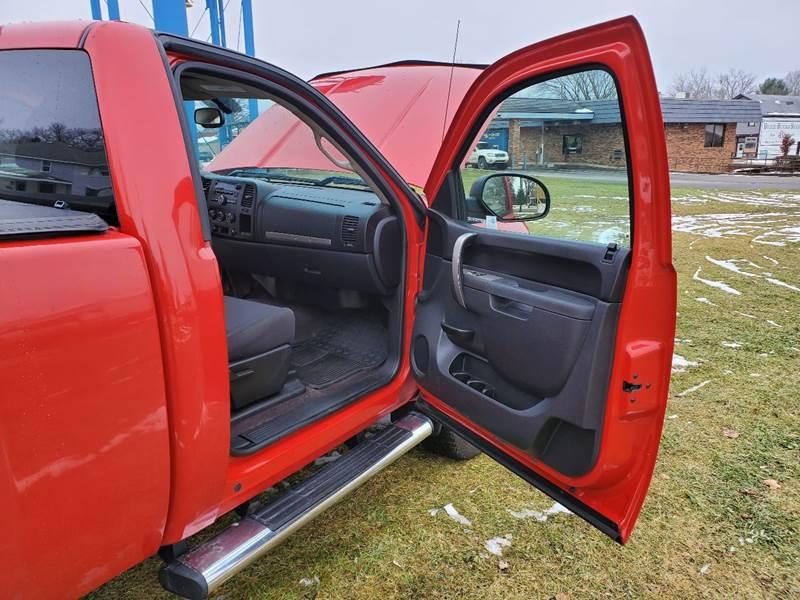 2011 Chevrolet Silverado 1500 LT (image 10)