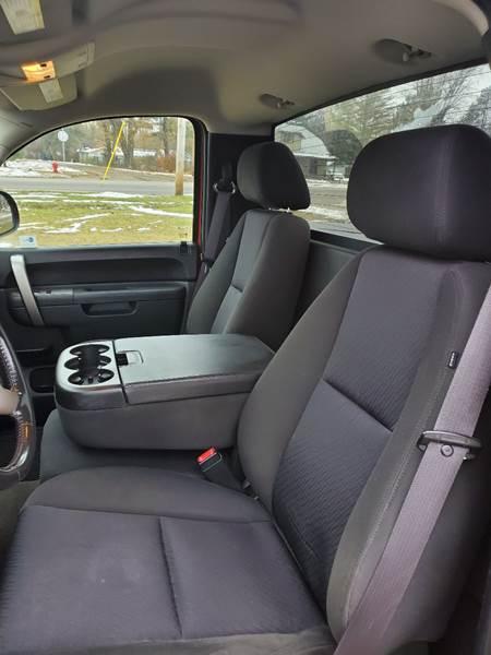 2011 Chevrolet Silverado 1500 LT (image 22)