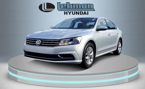 2017 Volkswagen Passat for sale in Miami, FL