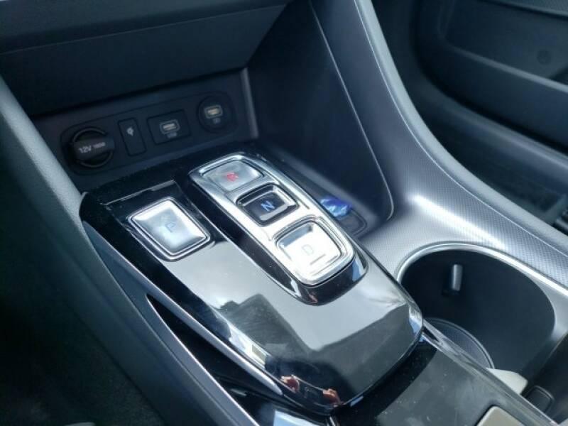 2020 Hyundai Sonata SEL Plus (image 12)