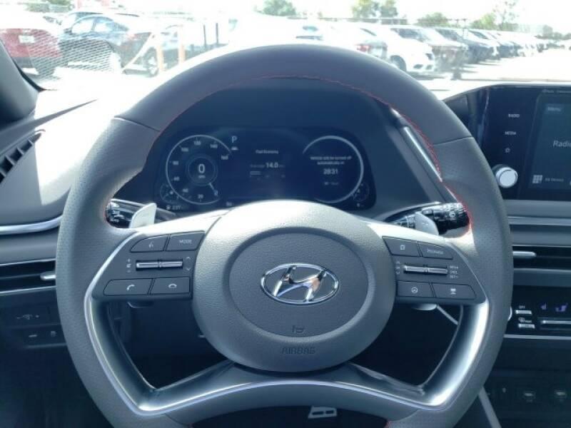 2020 Hyundai Sonata SEL Plus (image 9)