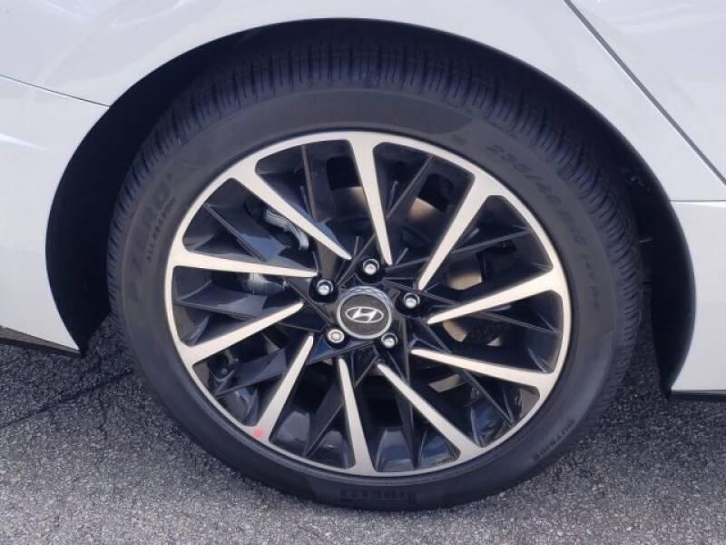 2020 Hyundai Sonata SEL Plus (image 4)