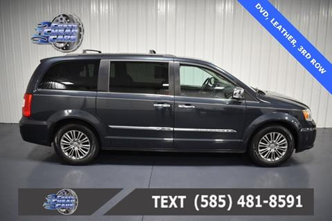 2014 Chrysler Town and Country for sale in Oakfield, NY