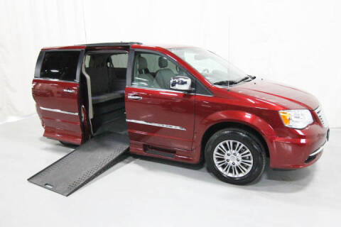 2013 Chrysler Town and Country for sale in Savage, MN