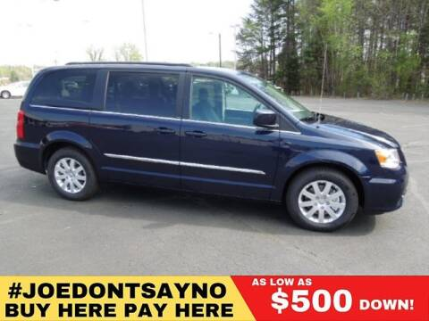 2010 Chrysler Town and Country for sale in Philadelphia, PA