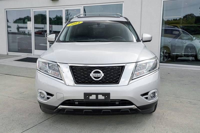 2014 Nissan Pathfinder Platinum (image 2)