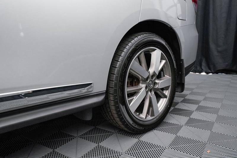 2014 Nissan Pathfinder Platinum (image 10)