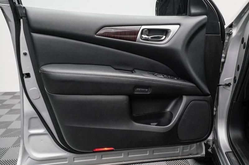2014 Nissan Pathfinder Platinum (image 11)