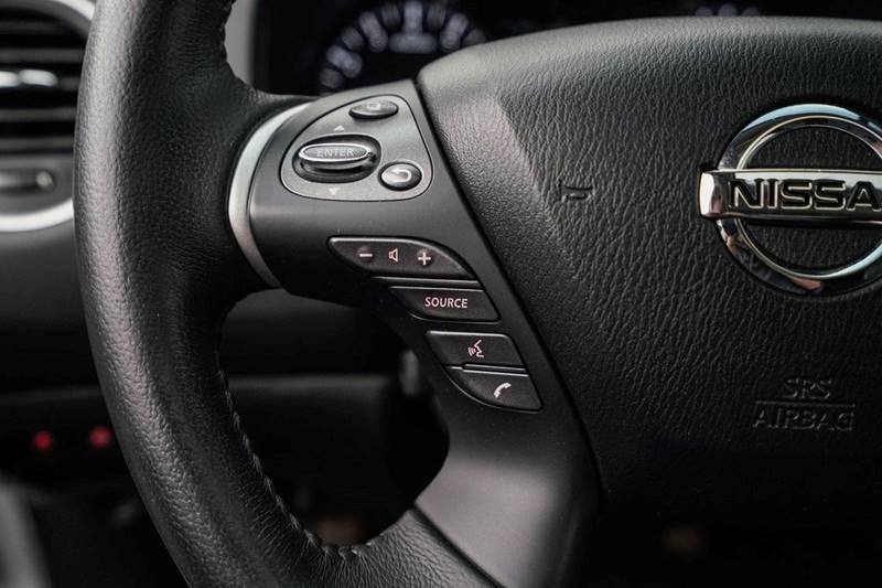 2014 Nissan Pathfinder Platinum (image 17)