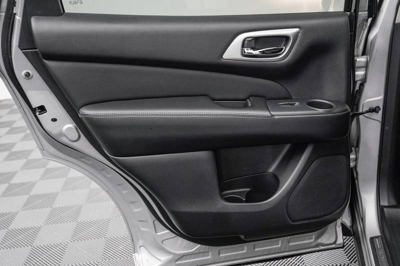2014 Nissan Pathfinder Platinum (image 31)