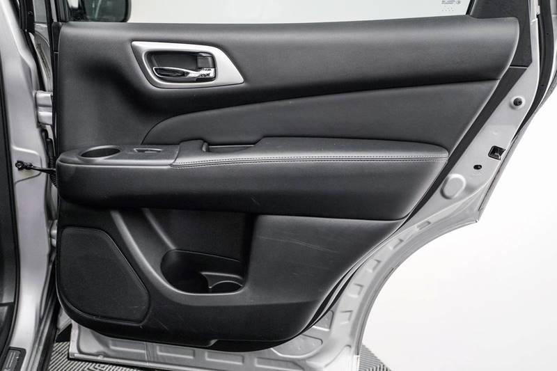 2014 Nissan Pathfinder Platinum (image 36)