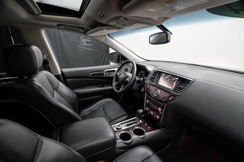 2014 Nissan Pathfinder Platinum (image 40)