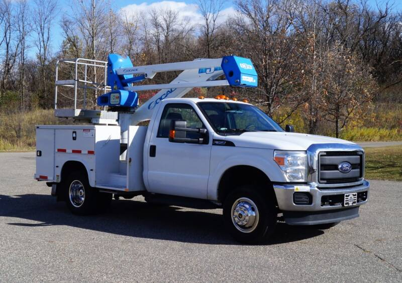 2015 Ford F-350 Super Duty for sale at KA Commercial Trucks, LLC in Dassel MN