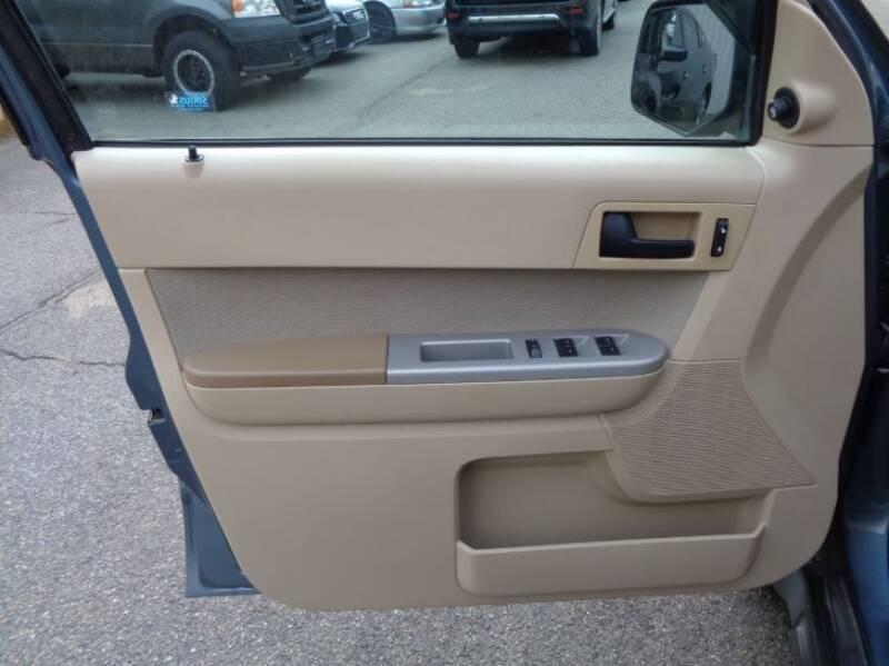2011 Ford Escape XLT (image 16)