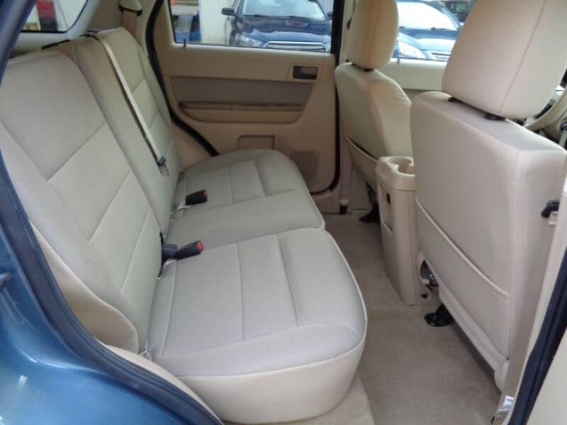 2011 Ford Escape XLT (image 12)