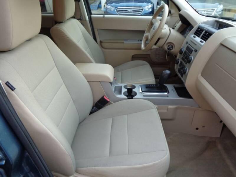 2011 Ford Escape XLT (image 15)