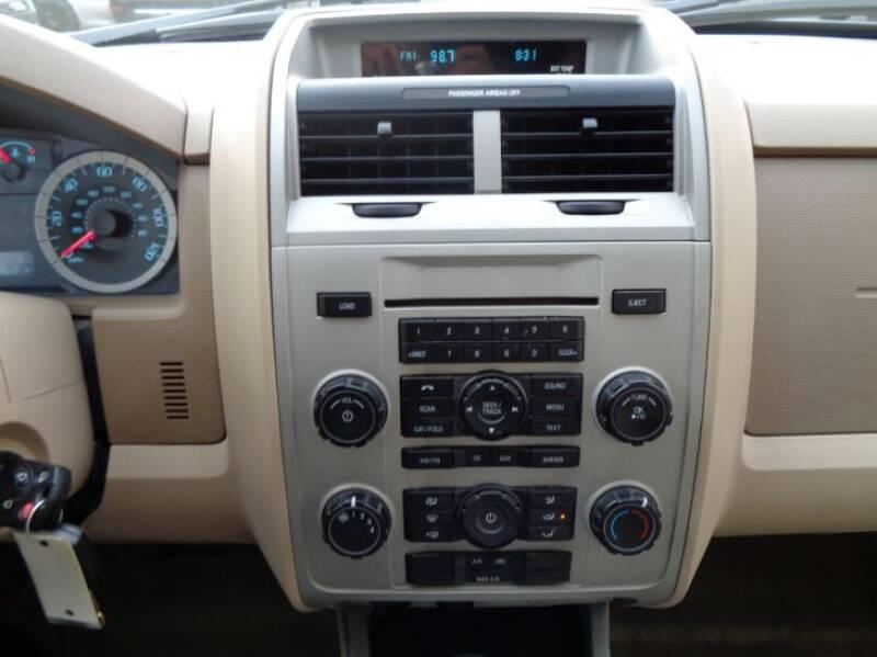 2011 Ford Escape XLT (image 22)
