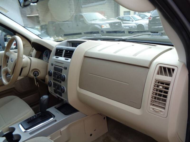 2011 Ford Escape XLT (image 14)
