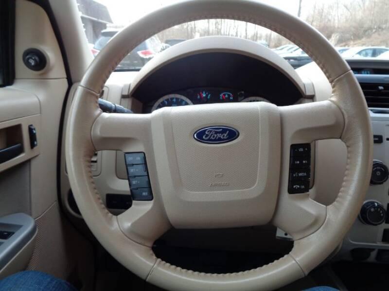 2011 Ford Escape XLT (image 21)