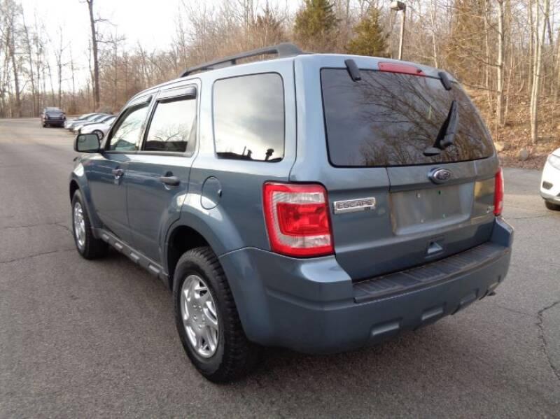 2011 Ford Escape XLT (image 3)