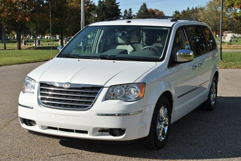 2009 Chrysler Town and Country for sale in Flushing, MI