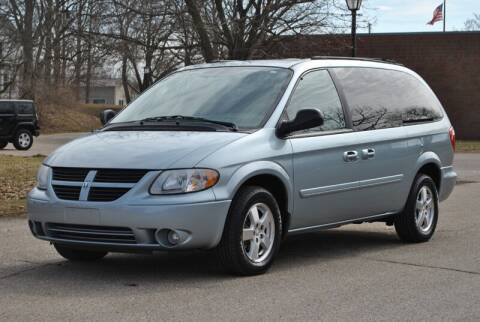 2005 Dodge Grand Caravan for sale at Sovereign Auto in Flushing MI