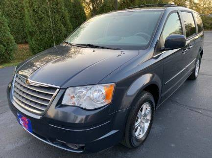 2008 Chrysler Town and Country for sale in Goshen, IN