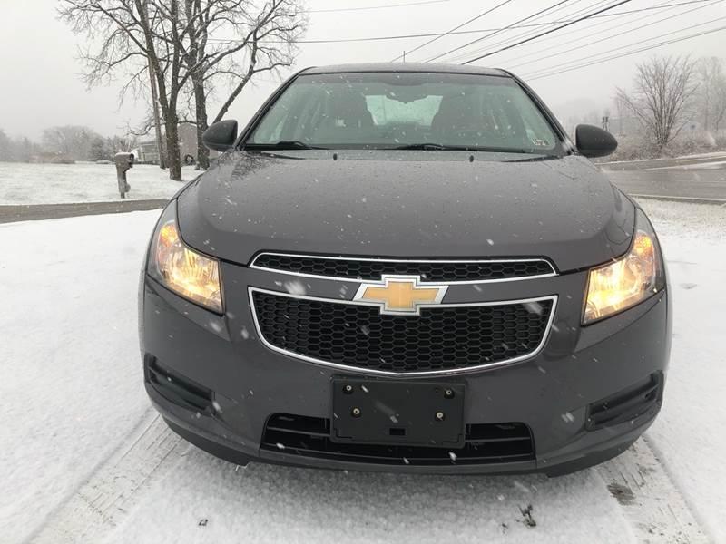 2011 Chevrolet Cruze LS (image 2)