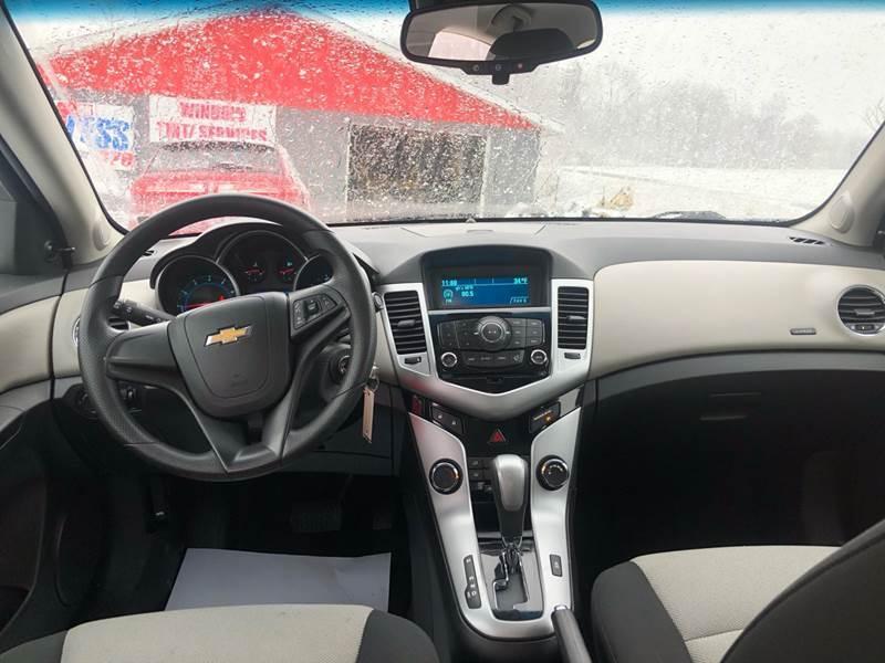 2011 Chevrolet Cruze LS (image 15)