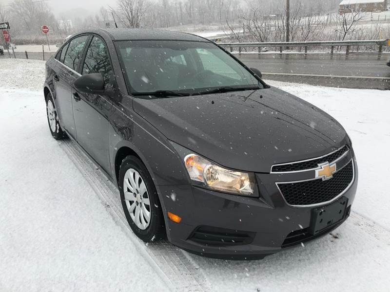 2011 Chevrolet Cruze LS (image 8)