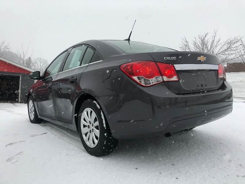 2011 Chevrolet Cruze LS (image 4)