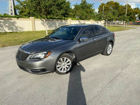 2013 Chrysler 200 for sale in Miami, FL