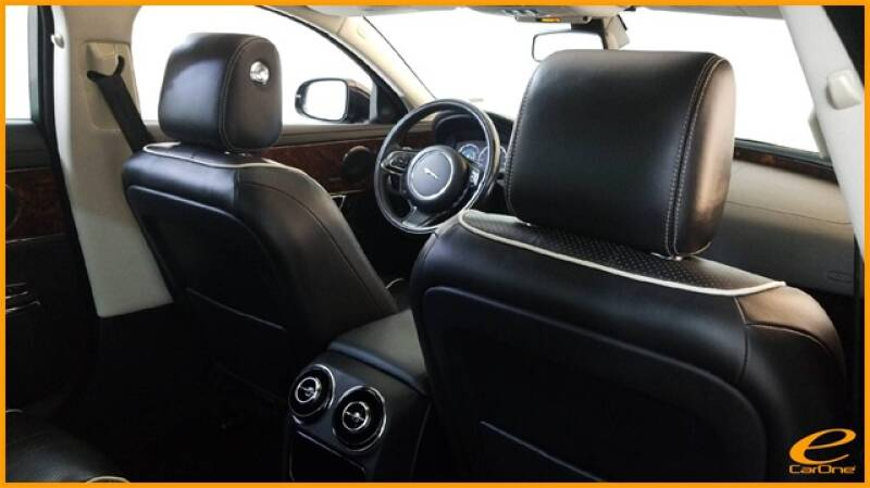 2016 Jaguar XJ R-Sport (image 28)