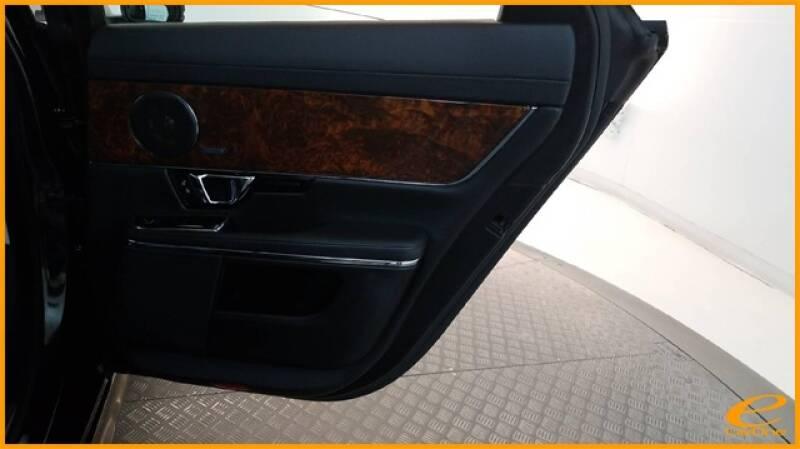 2016 Jaguar XJ R-Sport (image 29)