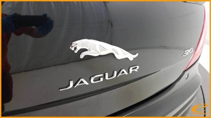 2016 Jaguar XJ R-Sport (image 15)