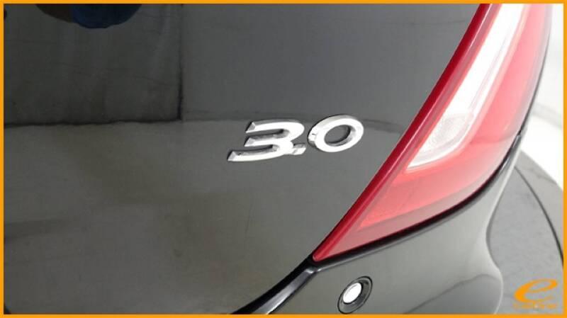 2016 Jaguar XJ R-Sport (image 17)